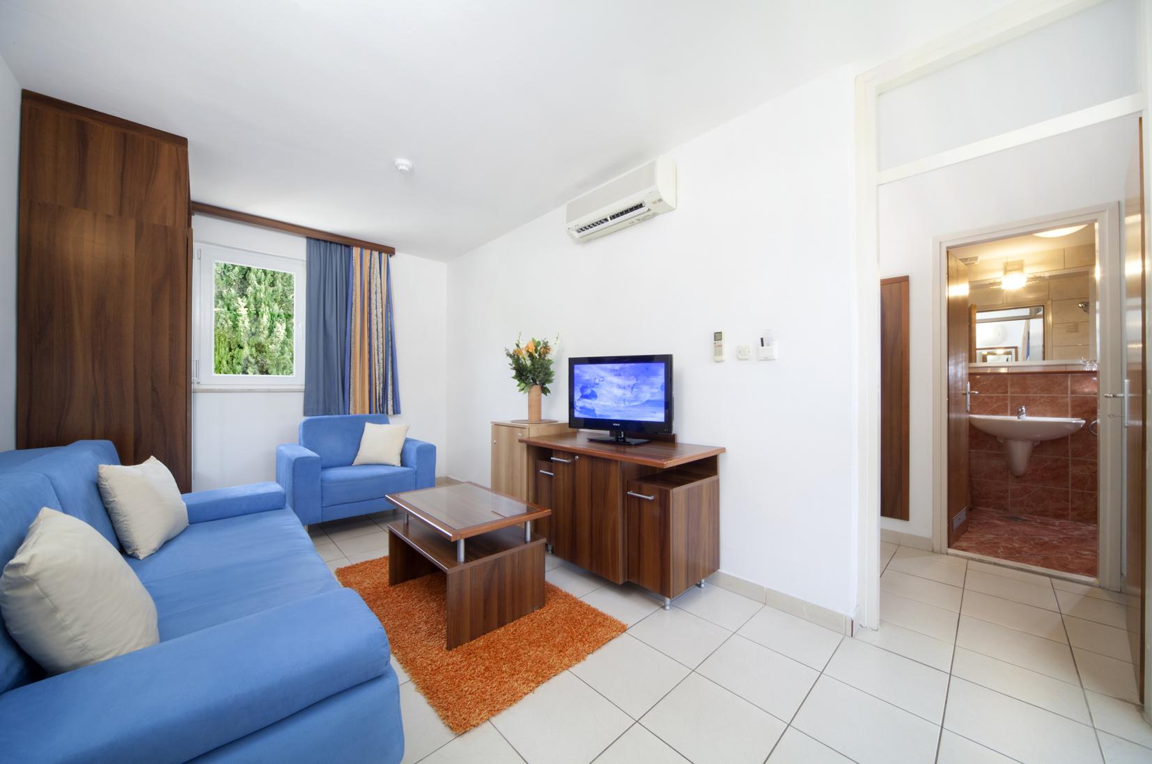 Borak_Family_Living_Room