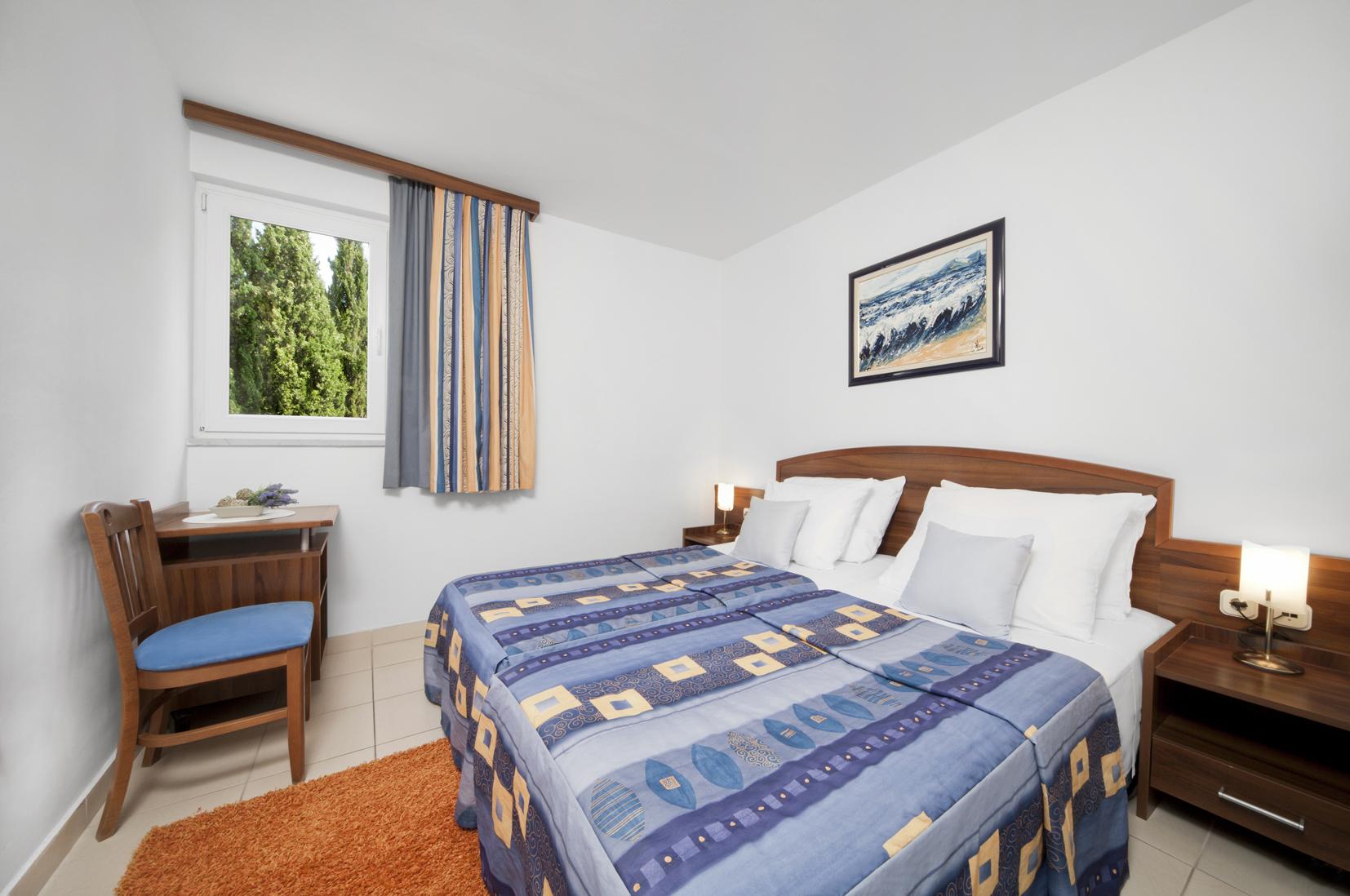 Borak_Family_Room_Bedroom_WIDE