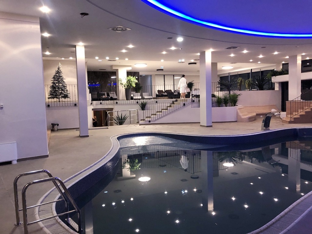 Grand-hotel-Adriatic-Opatija-unutarnji-bazen