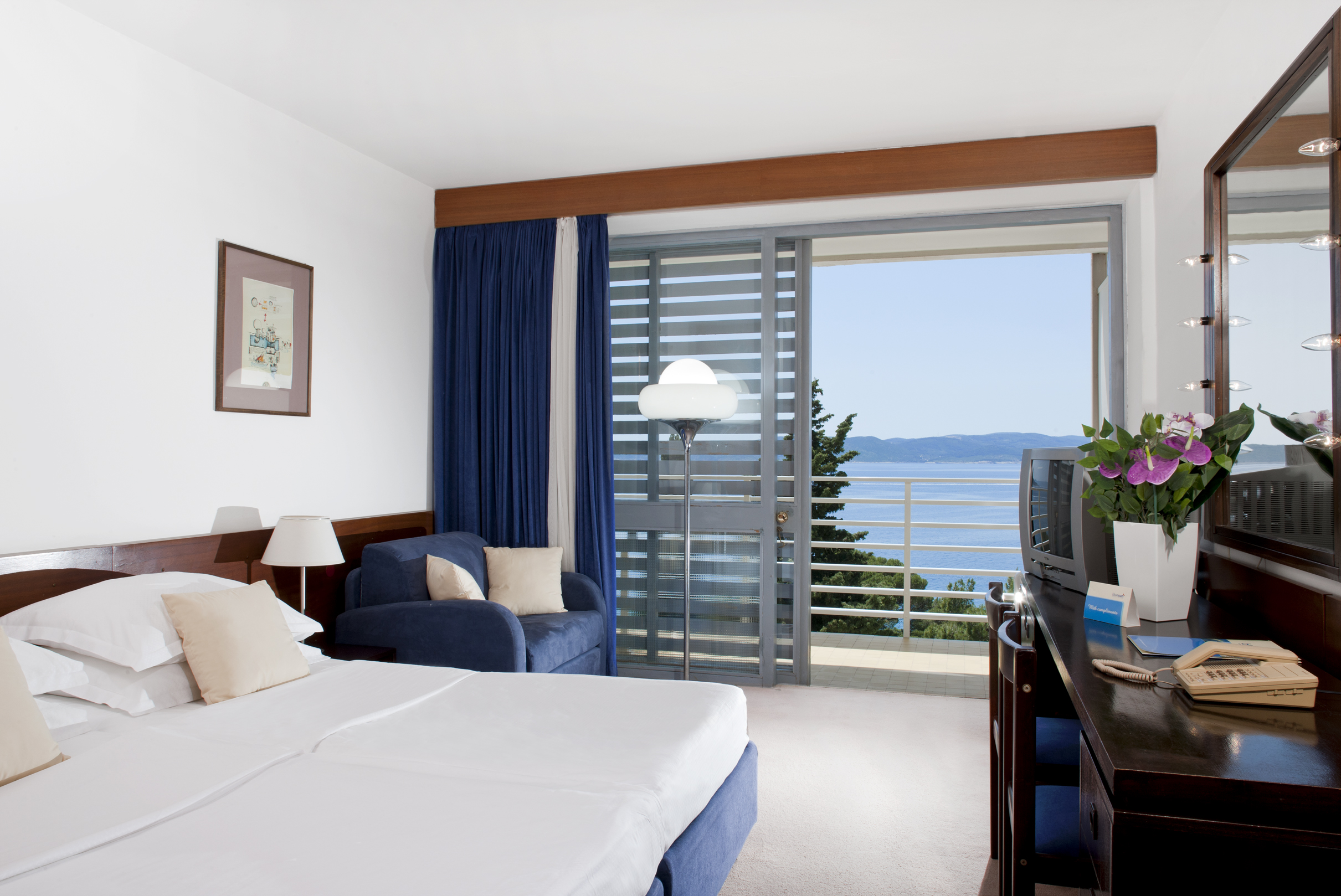 Maestral_Superior_Double_Room_Sea_Side (2)