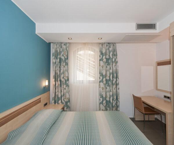 resort-belvedere-apartments-standard-3-03-920