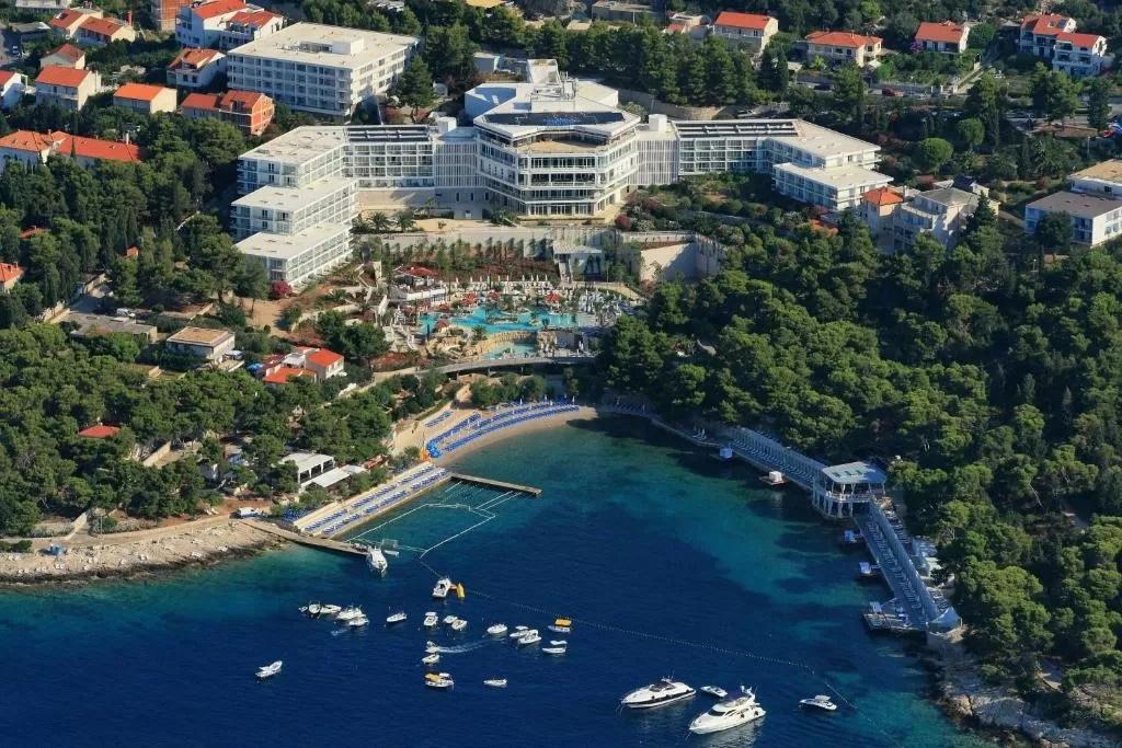 Amfora-Hvar-Grand-Beach-Resort-1