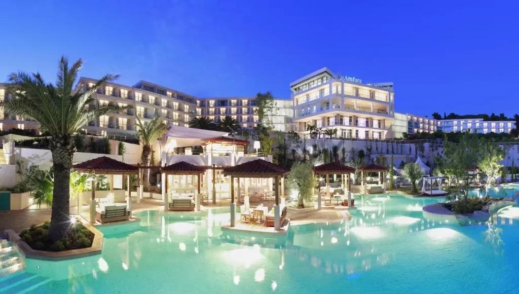 Amfora-Hvar-Grand-Beach-Resort-bazen-1