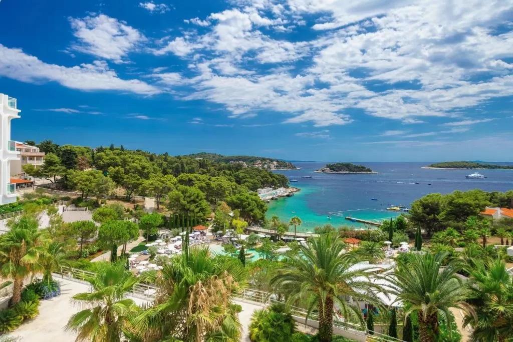 Amfora-Hvar-Grand-Beach-Resort
